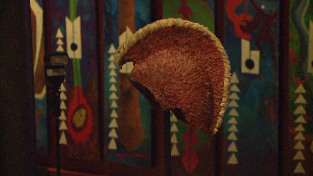bishop museum feathered helmet_148211