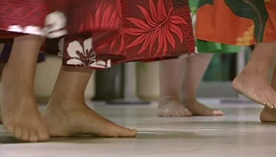 hula dance feet generic_158788