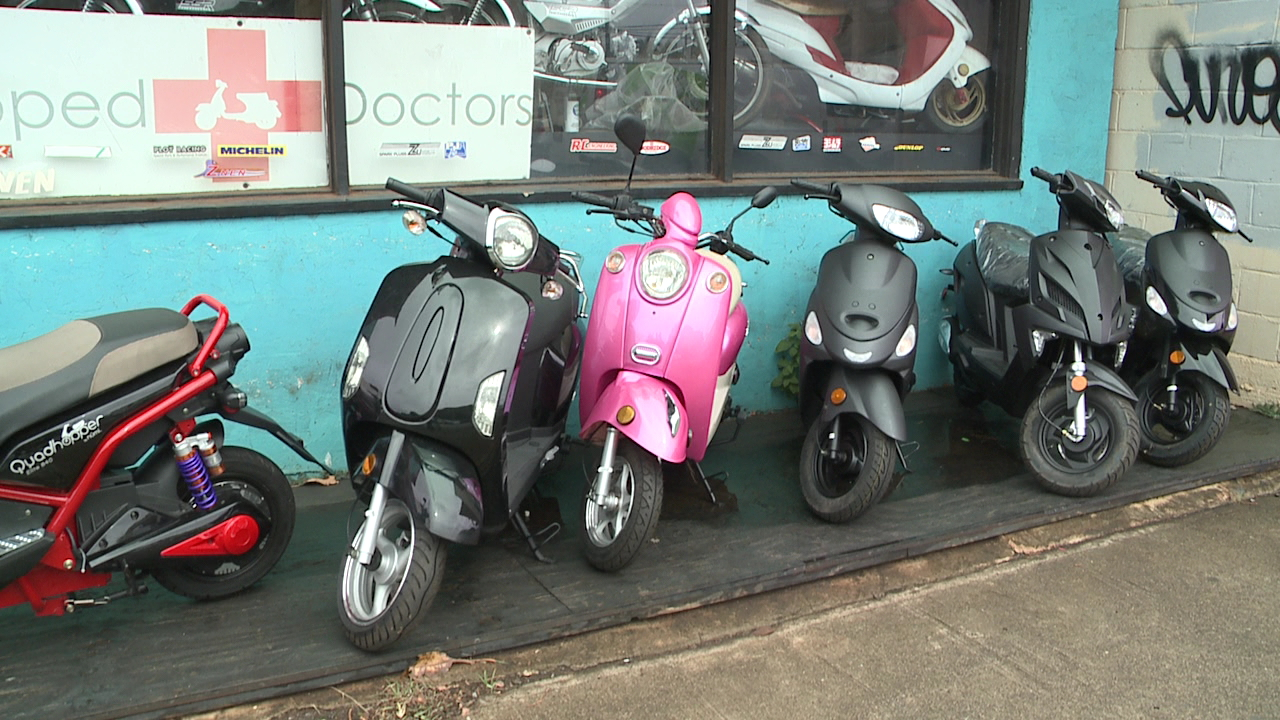mopeds_191081