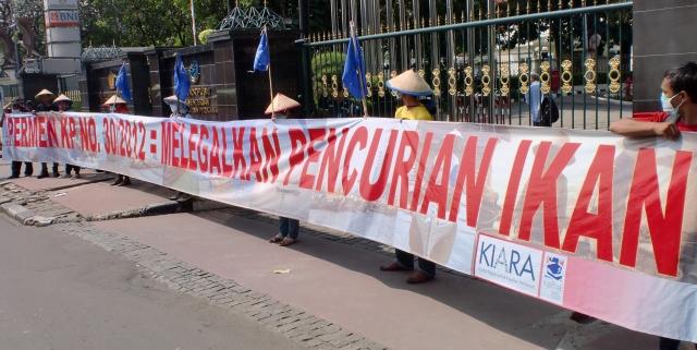 KIARA: Longgarkan Pencurian Ikan,  Presiden SBY Harus Tegur Menteri Kelautan dan Perikanan