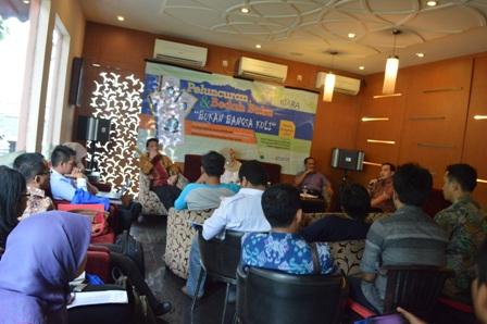 Memanusiakan Manusia dan Mengembalikan Identitas Bangsa Indonesia