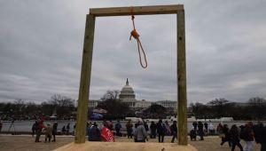 Κατά τη διάρκεια της επιδρομής του Κογκρέσου στις 6 Ιανουαρίου στις ΗΠΑ, ο Mike Pence κάλεσε το Πεντάγωνο και είπε,