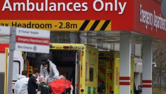 Τα δημοτικά σχολεία έκλεισαν στην Αγγλία, τα νοσοκομεία πεδίου άνοιξαν ξανά
