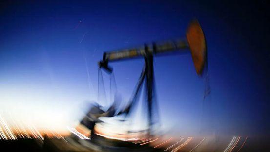 Η ετήσια παραγωγή πετρελαίου της Ρωσίας μειώθηκε για πρώτη φορά από το 2008