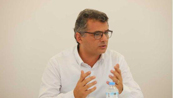"""Από τον Tufan Erhürman στην κυβέρνηση … """"Δεν κάνεις τίποτα παρά την κατάρρευση της οικονομίας"""""""