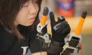 Bionic Fingers Could Help Humans Get a Grip