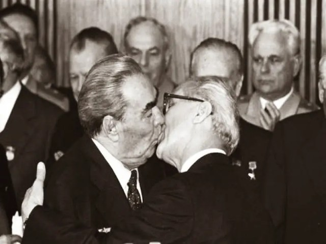 08. Socialist Fraternal Kiss