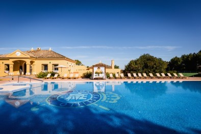 swimming pool at Barceló Montecastillo Golf Resort