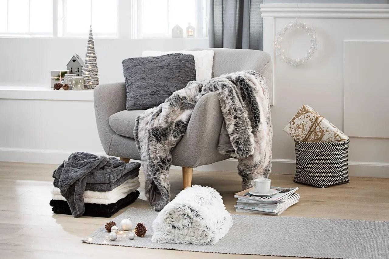 Faux fur pillows   Jysk