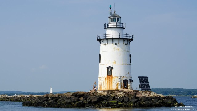 saybrook-breakwater-light-7-12-2015_