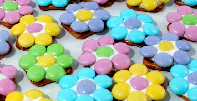 flower-pretzel-bites-featured-680x350