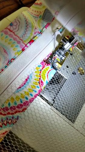DIY Mesh Laundry Bag Tutorial mesh sewing