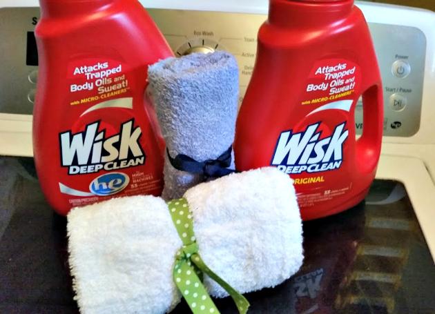 DIY Mesh Laundry Bag Tutorial wisk 2