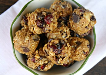 Nutty Chocolate And Cranberry Energy Bites