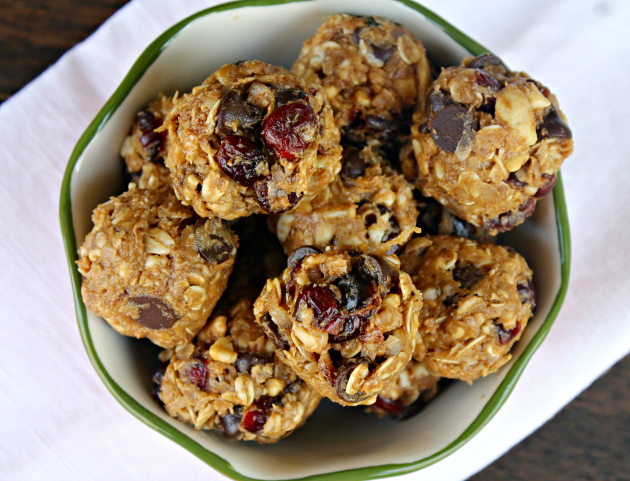 Nutty Chocolate And Cranberry Energy Bites 3
