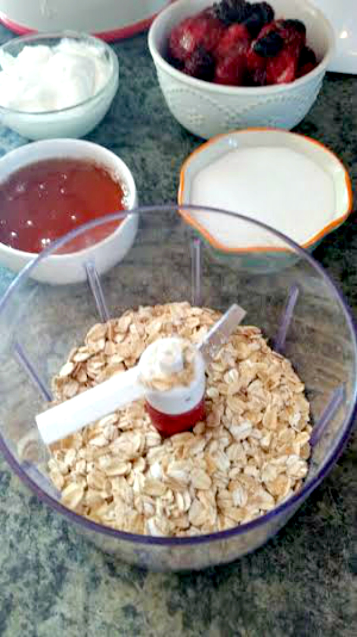 Berrylicious Yogurt Granola Pops process
