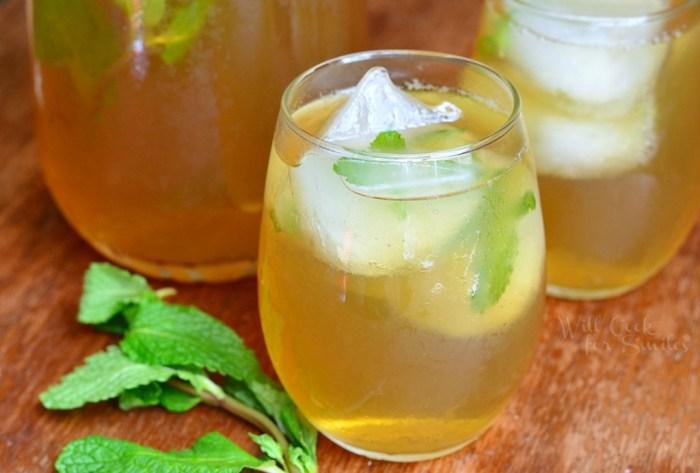 refreshing summer drinks Honey-Mint-Green-Iced-Tea-2-from-willcookforsmiles.com_-1024x692