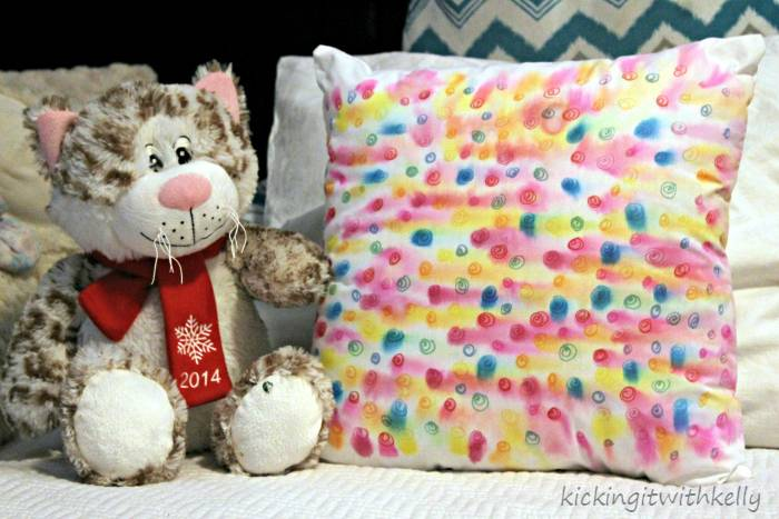 Your Sharpie Style DIY Watercolor Pillow