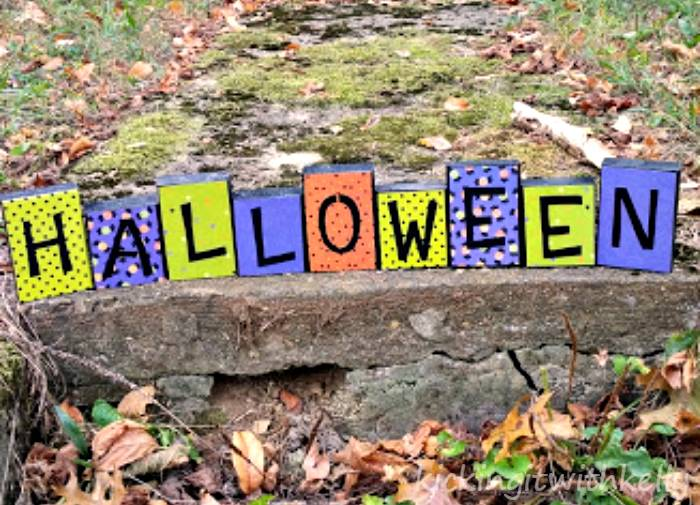Easy DIY Halloween Decoration finished letters