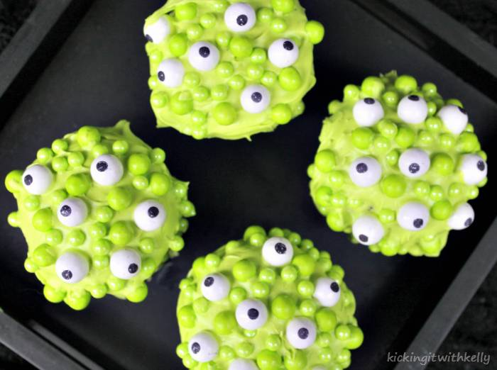 Spooky Halloween Treat | Eye Of Newt Cupcakes 2