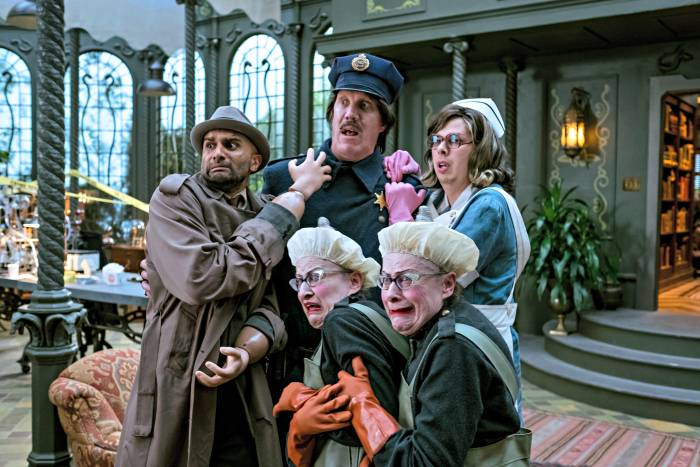 Lemony Snicket's A Series of Unfortunate Events Is Coming To Netflix! 5