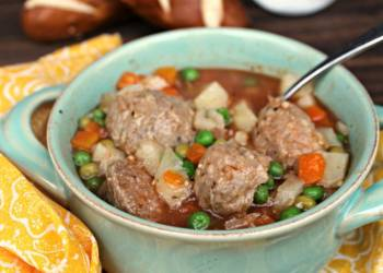 Skinny Slow Cooker Meatball Soup Recipe
