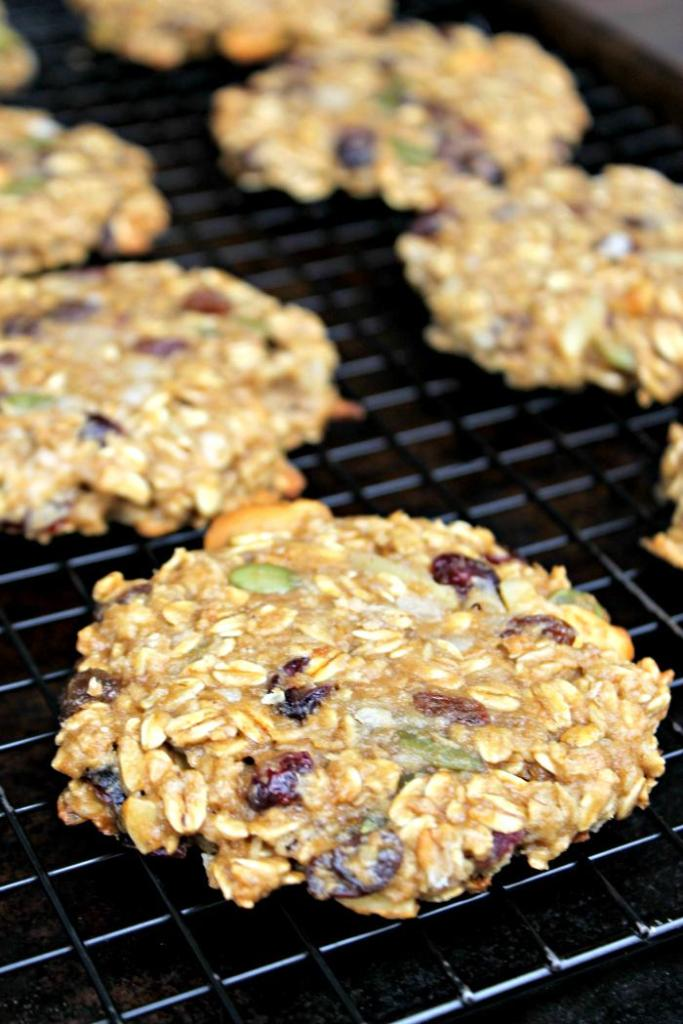 Start your day full of healthy goodness with my #vegan Protein Breakfast Cookie #Recipe made with @LiveVeganSmart #ad