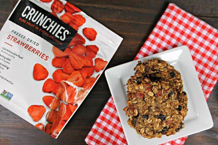 Vegan Chocolate Chunk Mixed Berry Cookies 5
