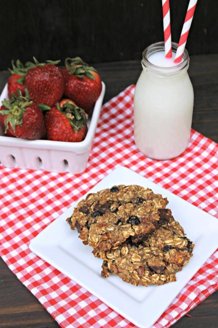 Vegan Chocolate Chunk Mixed Berry Cookies 2