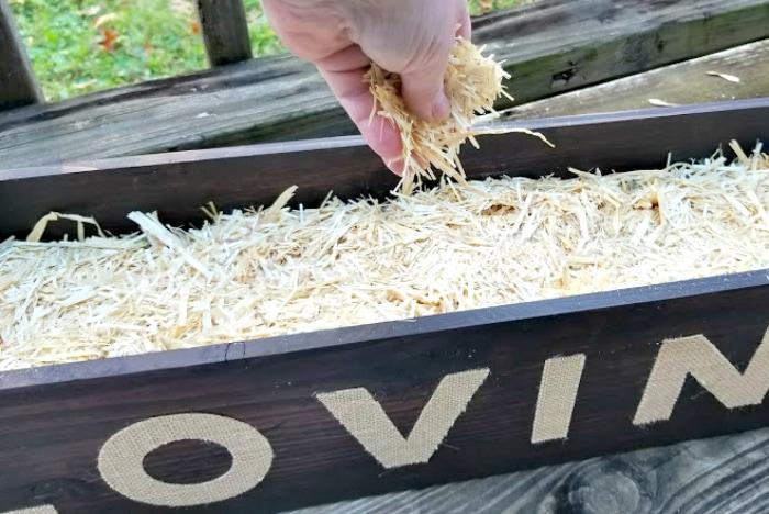 DIY Farmhouse Dining Table Centerpiece hay