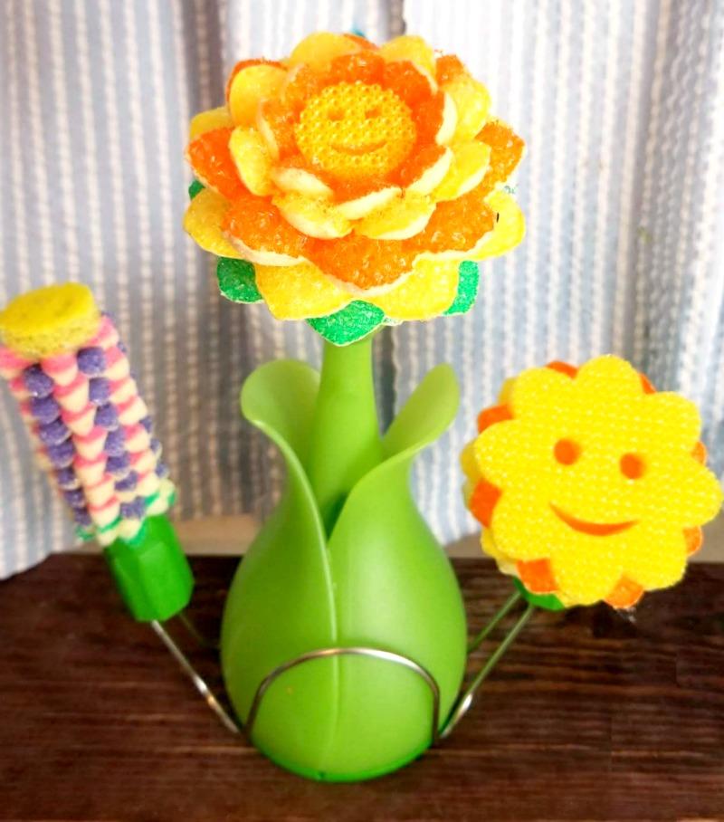 BabbleBoxx Home Shape Up For Spring scrub daisy