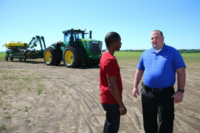 U.S. Cellular Smart Farm Program Keeps Farmers Connected 2