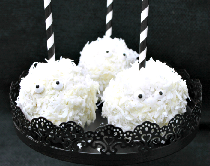 White Chocolate Coconut Ghost Apples