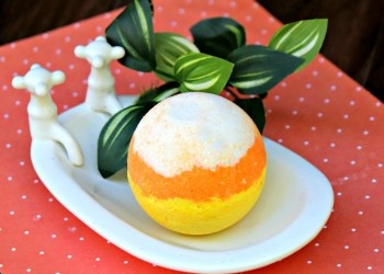 Glittery Candy Corn Bath Bomb Recipe
