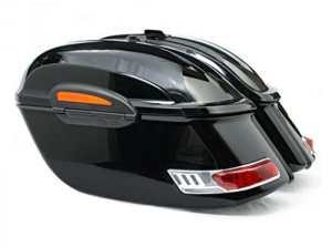 Sacoches rigides moto custom. Capacité 50 litres. Couleur en noir brillant. Il est livré avec tout le nécessaire pour l'installation.
