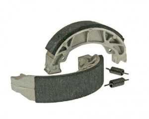 Jeu de mâchoires de frein à tambour Aramid renforcé avec ressort – Yamaha-Slider 50 AC (04-)