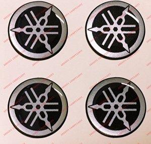 Emblème Logo Decal Yamaha, Kit de 4autocollants, Résine Effet 3d. Couleur: Noir–Argent. Pour réservoir ou casque