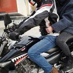 Ploufer Ceinture De Sécurité pour Moto Siège Arrière Poignée du Passager Poignée Antidérapante Sangle De Roulement Réfléchissante Réglable Bandes De Taille Veste Haute Visibilité Cool intensely