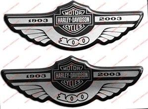 Emblème Logo Decal Harley Davidson, centenaire 1903–2003, Silver, couple Stickers, Résine Effet 3d. Pour réservoir ou casque