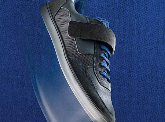 Louis Vuitton Low Top Strap Sneaker - Fall / Winter 2009