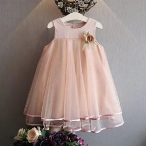 שמלת שושבינה עדינה