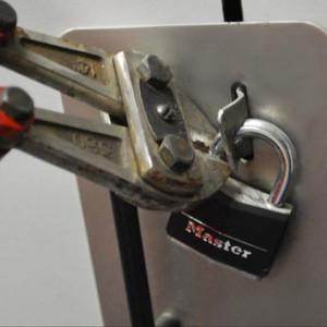 bolt-cutters
