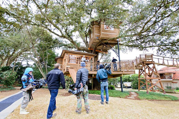 Raising Canes Todd Graves gets a Treehouse from Master Pete Nelson