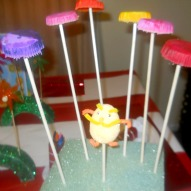 Truffula Tree Craft, Lorax Craft, Dr. Seuss Birthday Party Ideas, Lorax Birthday Party Ideas, Dr. Seuss Crafts, Lorax Crafts, Crafts with kids