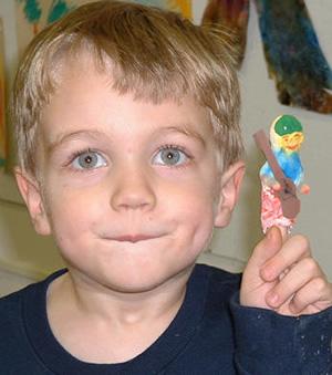 photosslider-boy-with-finger-puppet