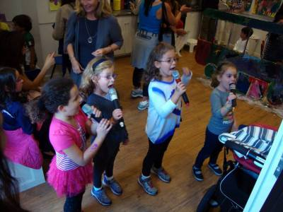 Karaoke birthday party for children in NYC