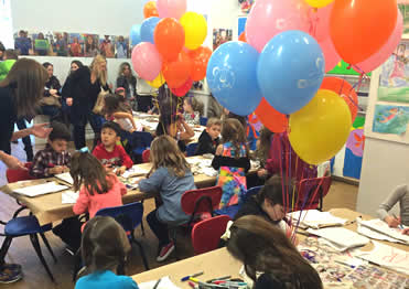 Children's art birthday party in NYC with balloons