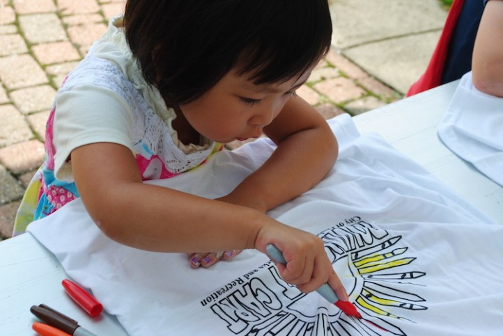 Getting creative with the Roving Art Cart, photo courtesy of Citiparks
