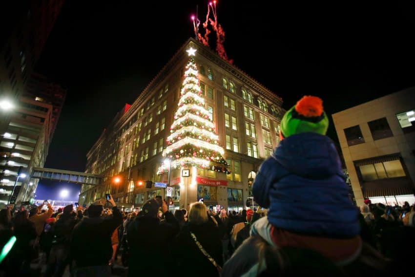 30 ways families can celebrate the holidays in Pittsburgh ...