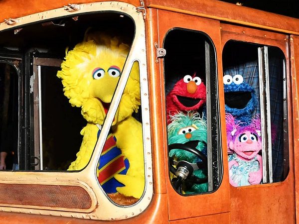 'Sesame Street' road trip hits Pittsburgh with a camera crew for 50th anniversary special
